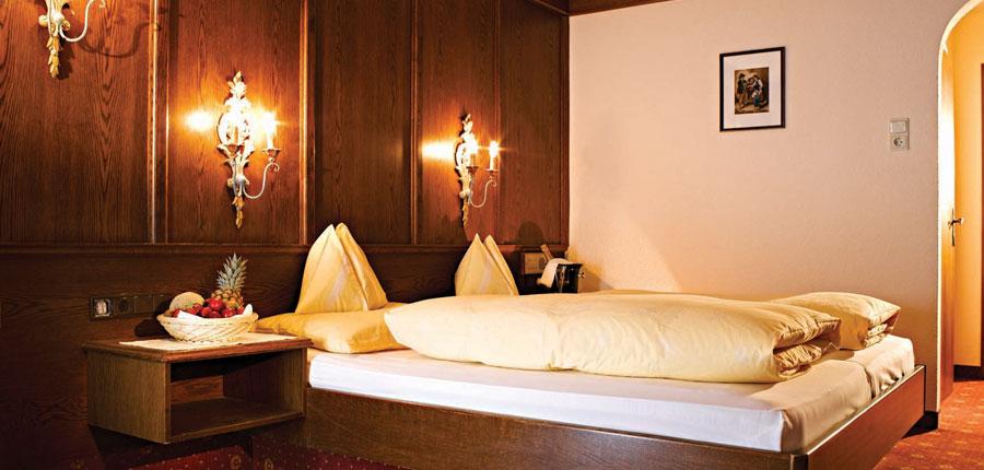 Austria_Obergurgl_Hotel-Bellevue_Bedroom.jpg
